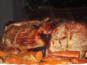 Как готовить свинину в медово-горчичном соусе в духовке
