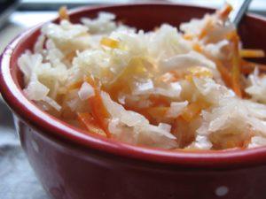 Как вкусно приготовить квашеную капусту с медом
