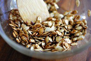 Какая польза и вред у тыквенных семечек с медом