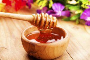 Полезные свойства и особенности чернокленового меда
