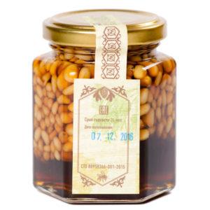 Полезные свойства и особенности кедрового меда
