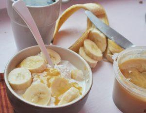 Польза и вред творога с медом